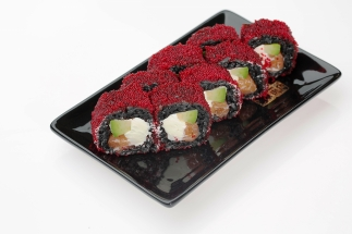 Black salmon roll 380
